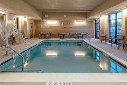 Pool | Hampton Inn & Suites San Jose Airport