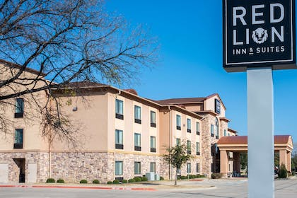 Exterior Edited | Red Lion Inn & Suites Mineral Wells