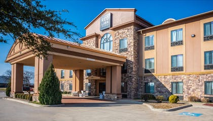 Exterior | Red Lion Inn & Suites Mineral Wells