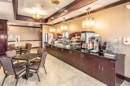 TX Mineral Wells Breakfast Room | Red Lion Inn & Suites Mineral Wells