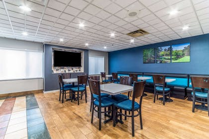 Breakfast area | Quality Inn & Suites Augusta I-20