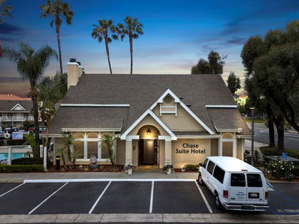Front Clubhouse | Chase Suite Hotel Brea