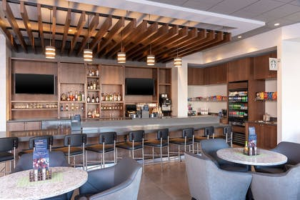 Bar Lounge | Hyatt Place Detriot Royal Oak