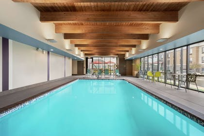 Pool | Home2 Suites by Hilton Warminster Horsham