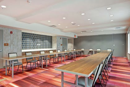 Meeting Room   Home2 Suites BY Hilton Beaufort, SC