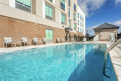 Pool | Hampton Inn & Suites Saraland Mobile AL