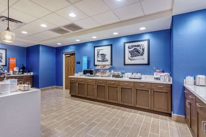 Restaurant | Hampton Inn & Suites Saraland Mobile AL