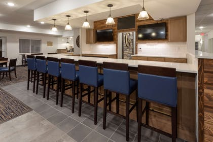 GrandStay Milbank Lounge | Grandstay Hotel and Suites Milbank