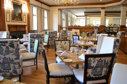 Restaurant | The Founders Inn and Spa, Tapestry Collection by Hilton