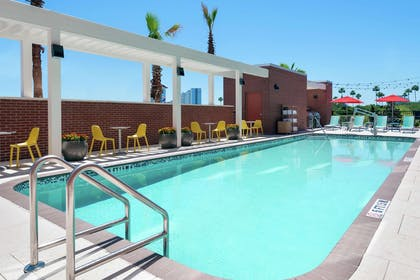 Pool | Home2 Suites by Hilton Orlando Near Universal