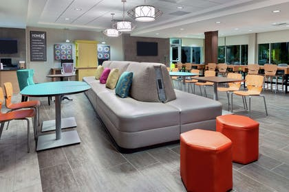 Lobby | Home2 Suites by Hilton Orlando Near Universal