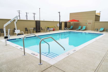 Pool | Home2 Suites by Hilton San Antonio at the Rim