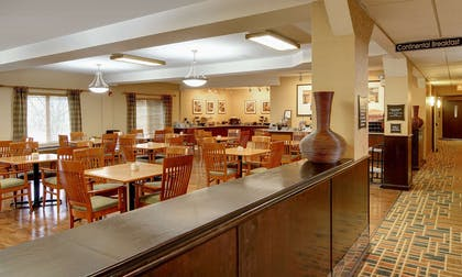 Albany Breakfast Room | Phoenix Inn Suites - Albany