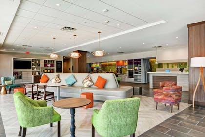 Lobby | Home2 Suites by Hilton Charleston West Ashley