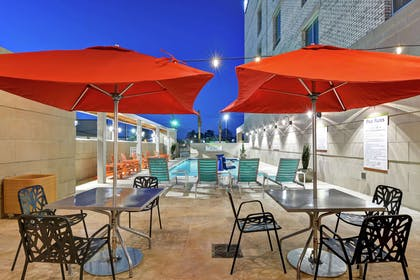 Pool | Home2 Suites by Hilton Charleston West Ashley