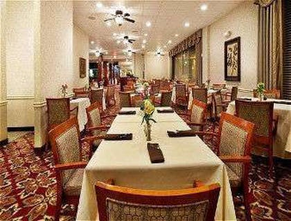 Restaurant | Ramada by Wyndham Shreveport Airport