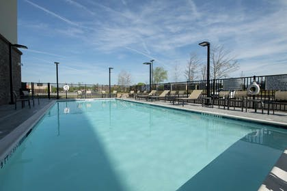 Pool | Hampton Inn & Suites Snellville Atlanta NE