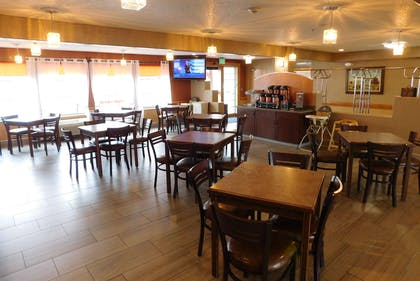 Breakfast Area | Americinn by Wyndham Ogallala