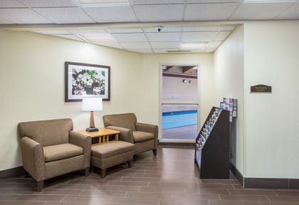 Hotel lobby   Quality Inn & Suites Lawrence - University Area