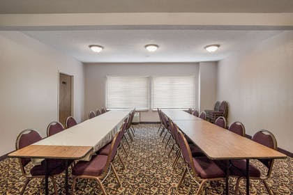 Meeting room   Quality Inn & Suites Lawrence - University Area
