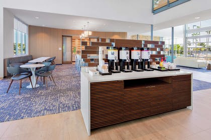 Restaurant |  Hampton Inn & Suites San Diego Airport Liberty Station