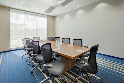 Meeting Room |  Hampton Inn & Suites San Diego Airport Liberty Station