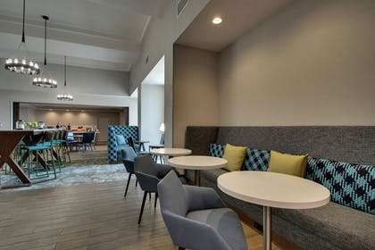 Breakfast Area | Hampton Inn & Suites Southport