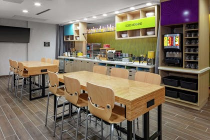 Breakfast Area | Home2 Suites by Hilton Rosenberg/Sugar Land Area