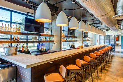 BarLounge | NYLO Las Colinas Hotel, Tapestry Collection by Hilton