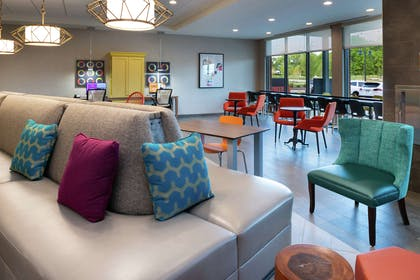 Lobby | Home2 Suites by Hilton New Albany Columbus