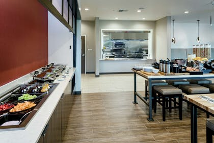 Breakfast Area | Hilton Garden Inn Wenatchee