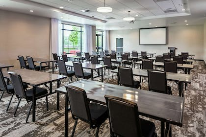 Meeting Room | Hilton Garden Inn Wenatchee