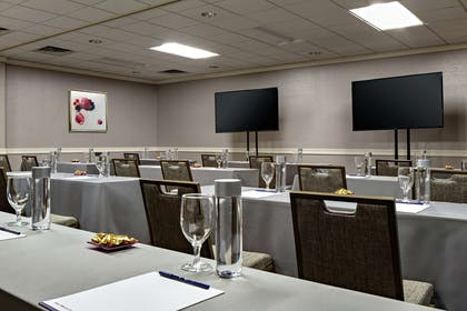 Meeting Room | DoubleTree by Hilton Fairfield Hotel & Suites