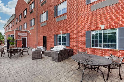 Relax on the patio   Clarion Pointe Sulphur Springs