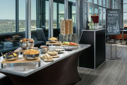 Restaurant | Embassy Suites by Hilton Knoxville Downtown