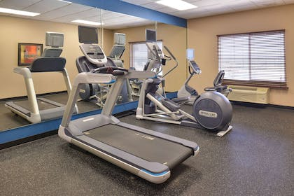 Fitness center | Hotel Vue, an Ascend Hotel Collection Member