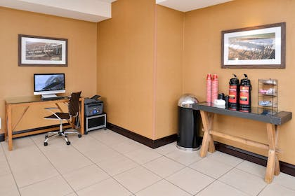 Business center   Hotel Vue, an Ascend Hotel Collection Member