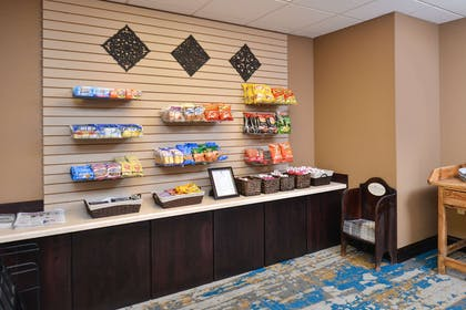 Hotel marketplace | Hotel Vue, an Ascend Hotel Collection Member