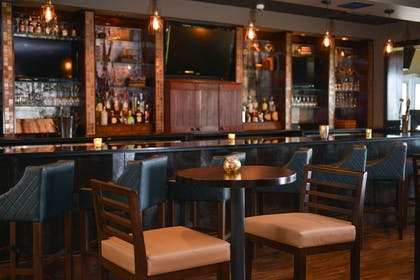 Hotel bar | Hotel Vue, an Ascend Hotel Collection Member