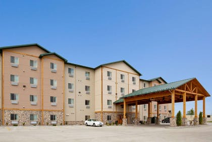 Exterior | Hawthorn Suites by Wyndham Minot