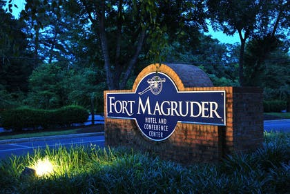 Exterior | Fort Magruder Hotel Trademark Collection by Wyndham