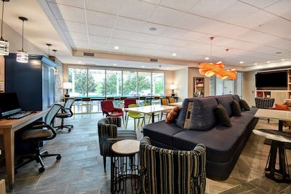 Lobby | Home2 Suites by Hilton Georgetown