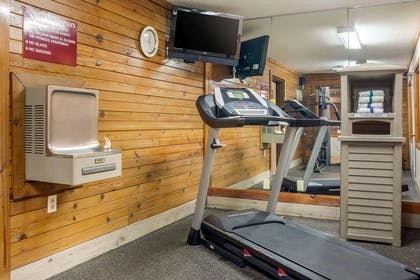 Exercise room | Quality Inn & Suites