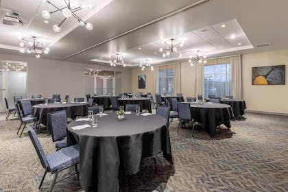 Large space for receptions, parties, anniversaries, and business | Cambria Hotel Milwaukee Downtown