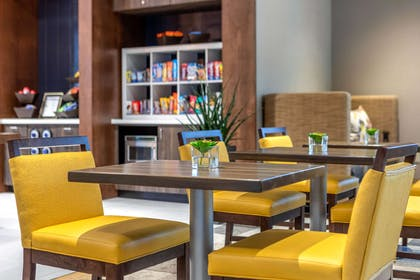 On-site restaurant | Cambria Hotel Milwaukee Downtown