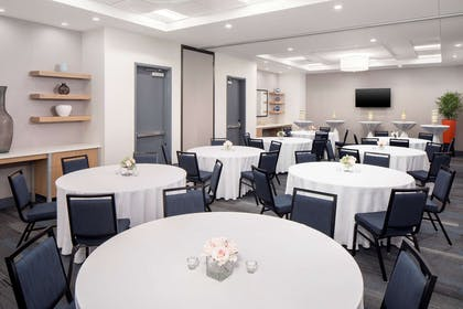 Meeting Room | Hyatt House Mount Pleasant-Midtown