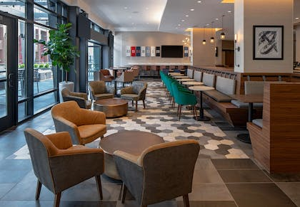 Bar Lounge   Hyatt House Indianapolis Downtown