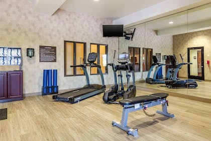 Exercise room | Comfort Inn & Suites Denver Northeast