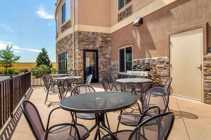Courtyard | Comfort Inn & Suites Denver Northeast