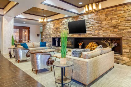 Hotel lobby | Comfort Inn & Suites Denver Northeast